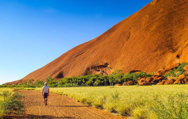 Marche autour d'Uluru
